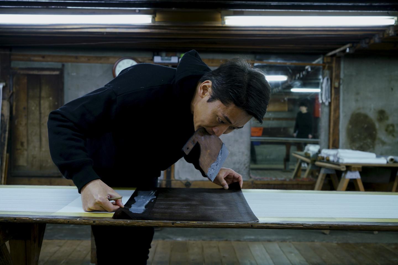 江戸小紋の最大の魅力は、人の手を介することでしか表すことのできないその味わいにある