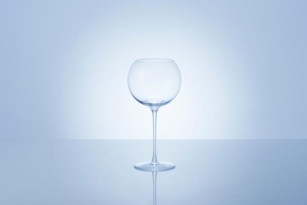【木本硝子】今夏のお酒の楽しみ方—江戸ガラスとソムリエのコラボレーショングラスで弾ける泡を堪能して—