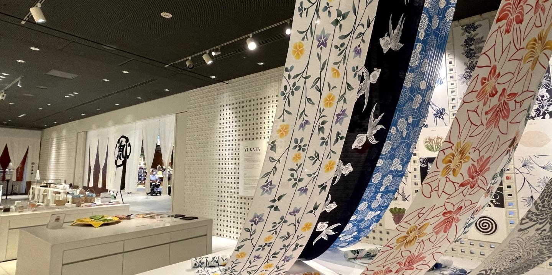浴衣と和菓子に共通する、季節感という日本らしさ。